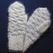 Одежда детская handmade. Livemaster - original item Children`s knitted mittens Jolly ladder. Handmade.