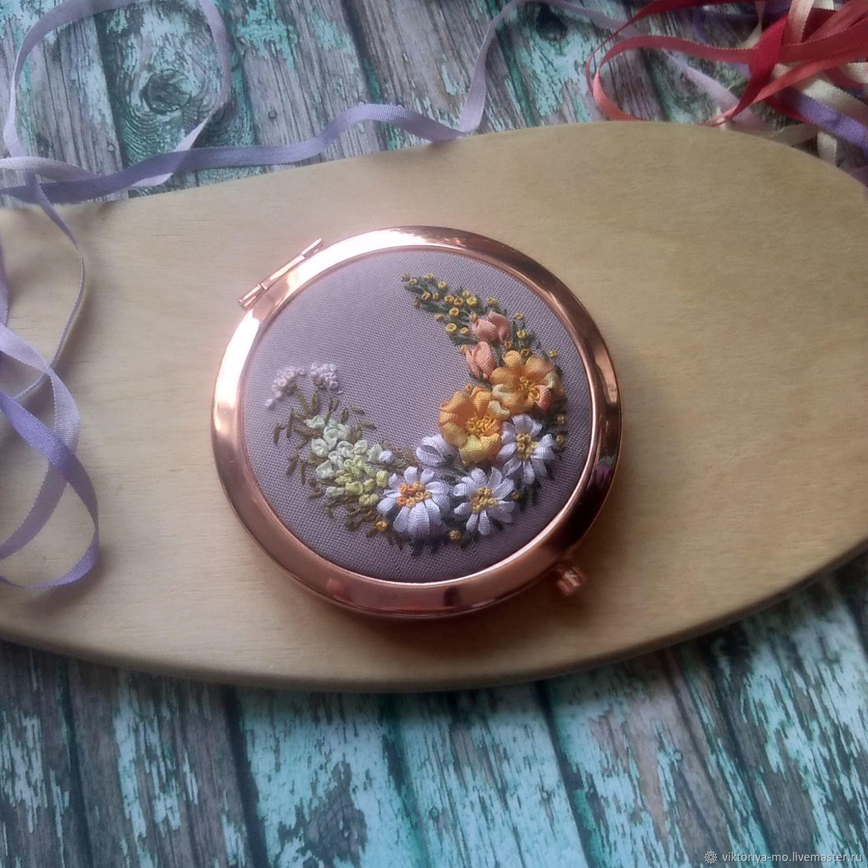 Зеркало карманное с вышивкой шёлковыми лентами, Зеркала, Подольск,  Фото №1