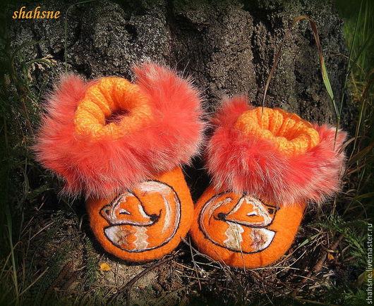 """Детская обувь ручной работы. Ярмарка Мастеров - ручная работа. Купить тапочки валяные (пинетки)""""Лисички"""". Handmade. Оранжевый, пинетки для новорожденных"""