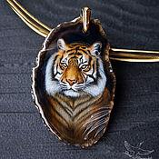 Украшения handmade. Livemaster - original item Pendant with painted stone Noble Tiger lacquer miniature cat night. Handmade.