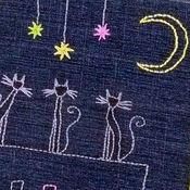 Канцелярские товары ручной работы. Ярмарка Мастеров - ручная работа Блокнот в мягкой обложке с вышитым авторским рисунком КОШКИ НА КРЫШЕ. Handmade.