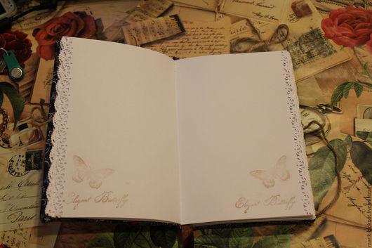 блокнот на 180стр. с декоративной отделкой краев и с рисунком на каждой странице.