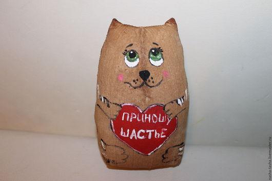 Кофейная игрушка сделанная с душой. При вашем желании можно сделать любую роспись и надпись.