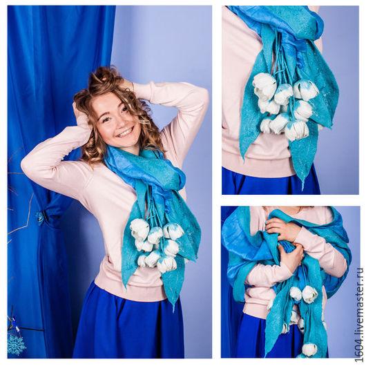 """Шали, палантины ручной работы. Ярмарка Мастеров - ручная работа. Купить палантин """" Белые тюльпаны"""". Handmade. Голубой, silk"""