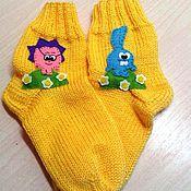 """Работы для детей, ручной работы. Ярмарка Мастеров - ручная работа Вязаные носочки """"Смешарики"""". Handmade."""