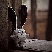 Куклы и игрушки ручной работы. Ярмарка Мастеров - ручная работа Незнающий заяц. Handmade.