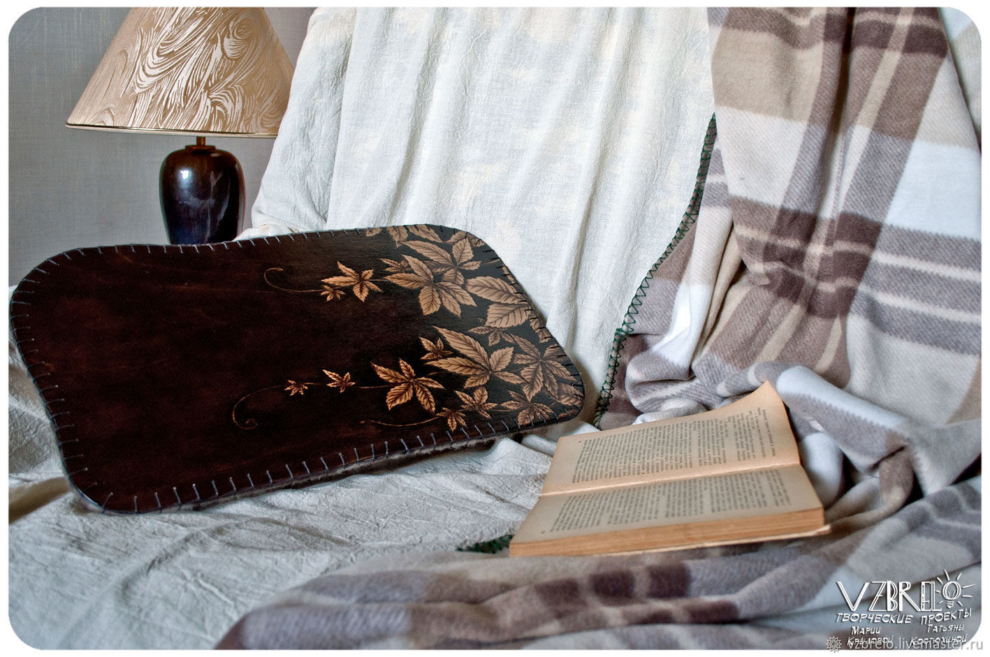 "Столик на подушке ""Девичий виноград"", Подставки, Москва,  Фото №1"