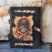 Канцелярские товары ручной работы. Ярмарка Мастеров - ручная работа Кожаный блокнот с тиснением Пират. Handmade.