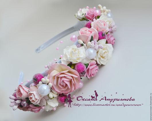 Ободок `White Rose`. Цветочный ободок.Ободок с розовыми белыми цветами. Весенний аксессуар.