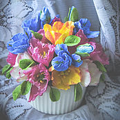Цветы и флористика ручной работы. Ярмарка Мастеров - ручная работа Цветочная композиция с тюльпанами и ирисами. Handmade.