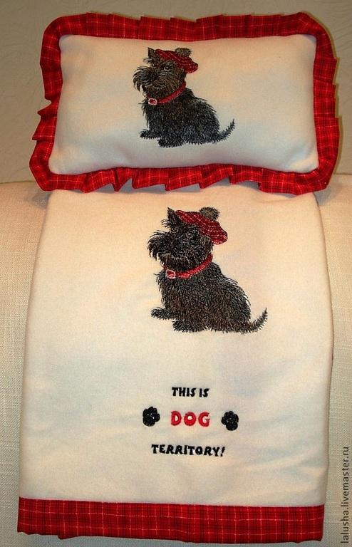 Аксессуары для собак, ручной работы. Ярмарка Мастеров - ручная работа. Купить Теплый и уютный плед с подушечкой для любимца. Handmade. Белый