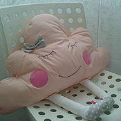 Для дома и интерьера ручной работы. Ярмарка Мастеров - ручная работа Декоративная подушка облачко с ножками. Handmade.
