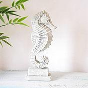 Для дома и интерьера handmade. Livemaster - original item Figurine Seahorse on stand concrete loft decor interior. Handmade.