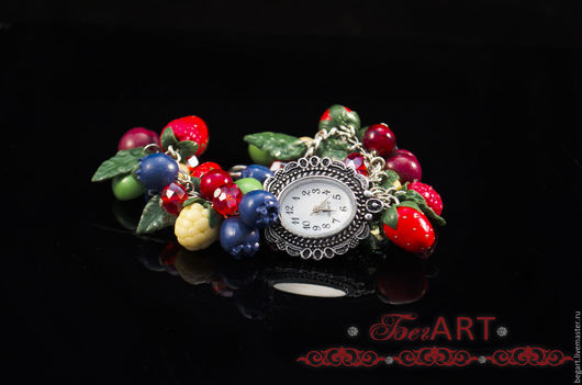 """Часы ручной работы. Ярмарка Мастеров - ручная работа. Купить Часы-браслет """"Ассорти"""". Handmade. Комбинированный, ягодное украшение"""