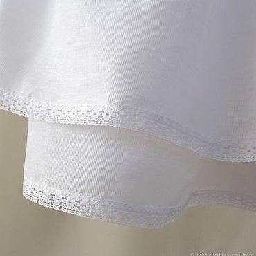 Одежда ручной работы. Ярмарка Мастеров - ручная работа Нижняя, короткая, белая юбка отделанная кружевной тесьмой.. Handmade.