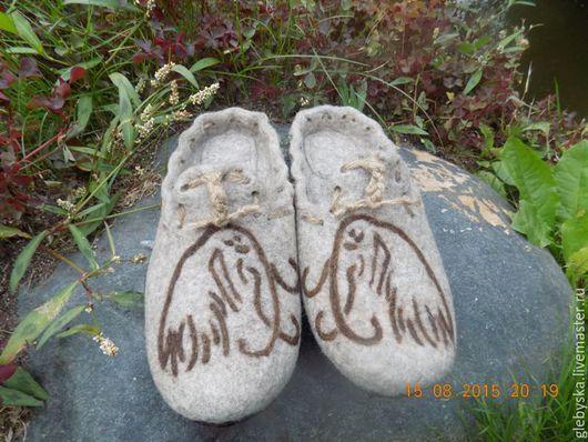 """Обувь ручной работы. Ярмарка Мастеров - ручная работа. Купить тапочки """"Мамонты"""". Handmade. Бежевый, подарок на день рождения"""