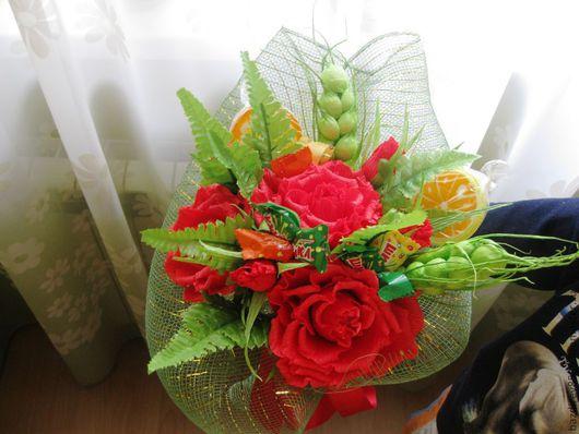 Букеты ручной работы. Ярмарка Мастеров - ручная работа. Купить Букет из красных роз. Handmade. Сладкий подарок, ярко-красный