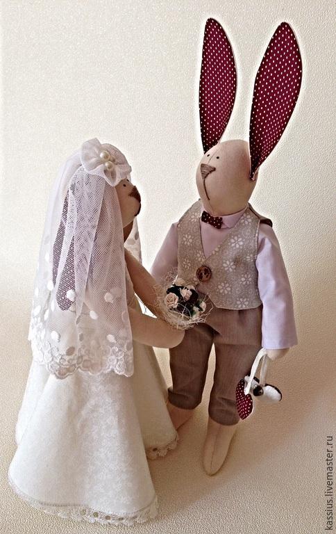 Куклы Тильды ручной работы. Ярмарка Мастеров - ручная работа. Купить Зайцы молодожены в стиле Тильда. Handmade. Разноцветный, букет