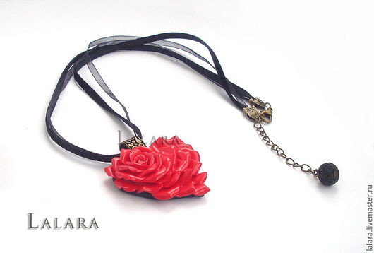 Кулон `Роза-сердце` ручной работы из запекаемой полимерной глины (пластики)