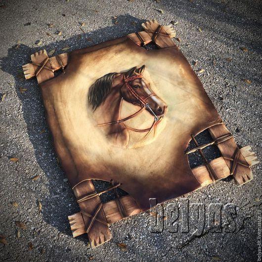 Панно из натуральной кожи. Конь символизирует интеллект, мудрость, знатность, свет, динамичную силу, проворство, быстроту мысли, бег времени.