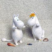 Куклы и игрушки ручной работы. Ярмарка Мастеров - ручная работа игрушка валяная из шерсти Муми-тролль и фрекен Снорк. Handmade.