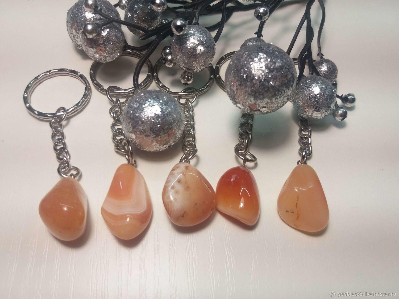 Брелок для ключей Агат розовый, натуральный камень