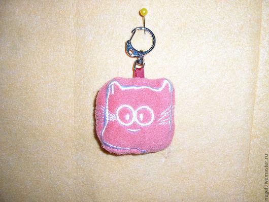 """Брелоки ручной работы. Ярмарка Мастеров - ручная работа. Купить брелок для ключей""""кот саймон"""". Handmade. Коралловый, брелок для ключей"""