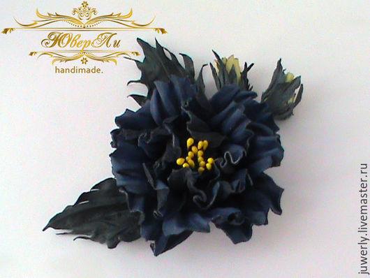 Броши ручной работы. Ярмарка Мастеров - ручная работа. Купить Брошь из кожи Украшение из кожи Синий цветок из кожи. Handmade.