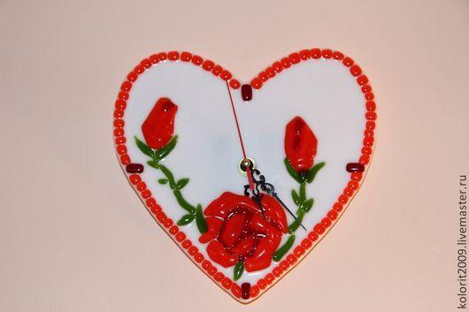 """Часы для дома ручной работы. Ярмарка Мастеров - ручная работа. Купить Часы """"Розы на сердце"""". Handmade. Белый, стекло"""