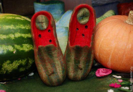 """Обувь ручной работы. Ярмарка Мастеров - ручная работа. Купить Мужские валяные тапки """"Арбузные"""" войлочные шерстяные тапочки шлёпки. Handmade."""