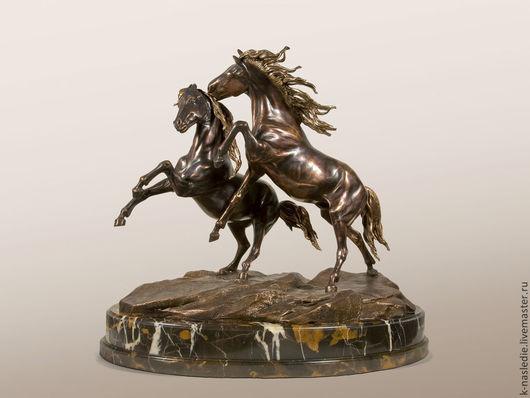 Статуэтки ручной работы. Ярмарка Мастеров - ручная работа. Купить Статуэтка Конная композиция (бронзовая статуэтка коней). Handmade. Бронза