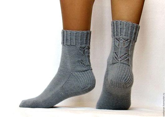 Носки, Чулки ручной работы. Ярмарка Мастеров - ручная работа. Купить Вязаные ажурные шерстяные носки - арт.Тюльпаны серый женские носки. Handmade.
