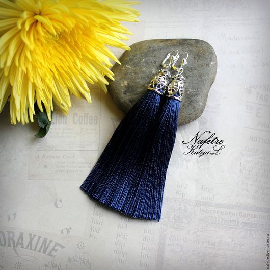 Серьги ручной работы. Ярмарка Мастеров - ручная работа. Купить Серьги кисти синие, кисточки темно синие, серьги-кисти длинные. Handmade.