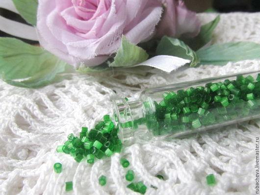 Зеленый сатиновый чешский бисер-рубка (55041).