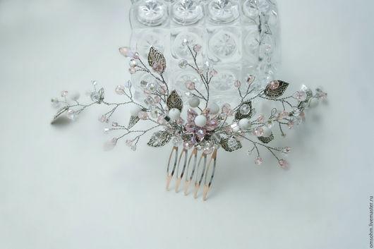 """Заколки ручной работы. Ярмарка Мастеров - ручная работа. Купить Гребень """"Бело-розовый с листиками"""". Handmade. Бледно-розовый"""