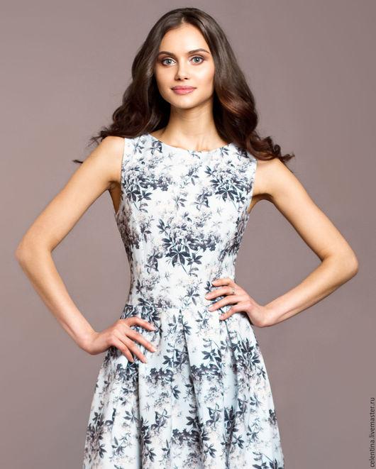 Платье цветочное модное
