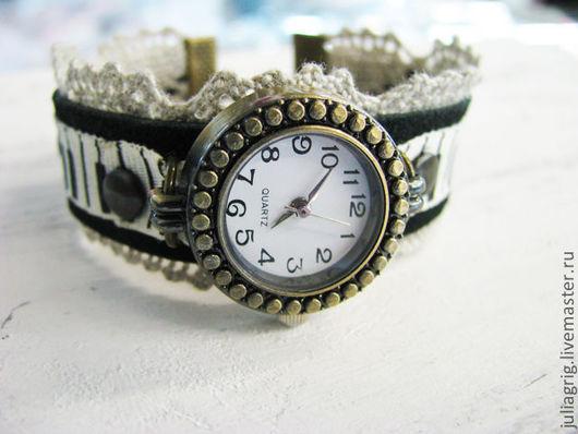 """Часы ручной работы. Ярмарка Мастеров - ручная работа. Купить Часы """"Музыкальные"""". Handmade. Черный, часы на руку, ноты, кружевной"""