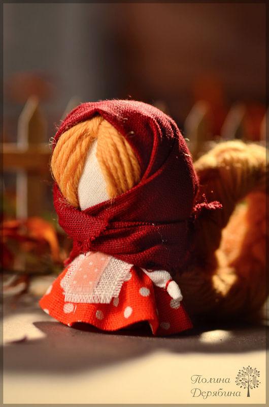 """Народные куклы ручной работы. Ярмарка Мастеров - ручная работа. Купить Оберег на счастье - """"Славная"""" куколка. Handmade. Бордовый, на удачу"""