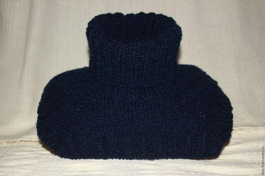 Мужская манишка на заказ из мягкой темно-синей буклированной шерсти - каракуль стрейч. Данный выбор цвета и пряжи заказчиком.
