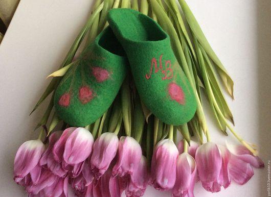 Обувь ручной работы. Ярмарка Мастеров - ручная работа. Купить Тапочки женские валяные Нежность тюльпанов. Handmade. Домашние тапочки