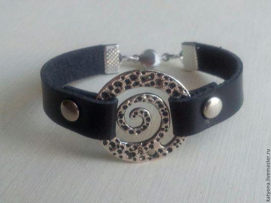 """Браслеты ручной работы. Ярмарка Мастеров - ручная работа. Купить Кожаный браслет """"Спирали"""" с широким ремешком. Handmade. Черный, браслет"""