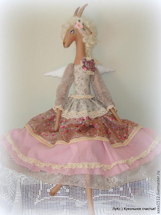 Коллекционные куклы ручной работы. Ярмарка Мастеров - ручная работа. Купить Барышня-козочка Адель - текстильная кукла. Handmade. Коралловый