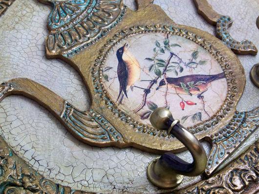 """Кухня ручной работы. Ярмарка Мастеров - ручная работа. Купить Панно с крючками """"Старинный кофейник"""". Handmade. Панно, птички, дерево"""