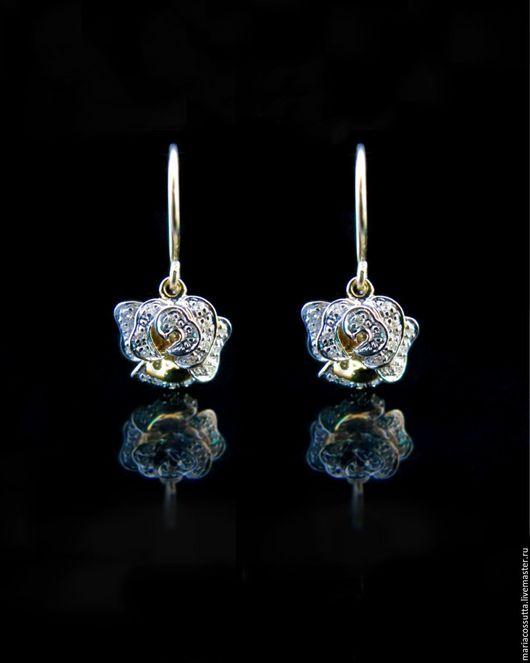 Серьги ручной работы. Ярмарка Мастеров - ручная работа. Купить Серьги с бриллиантами золотые в форме цветка розы золото 585. Handmade.