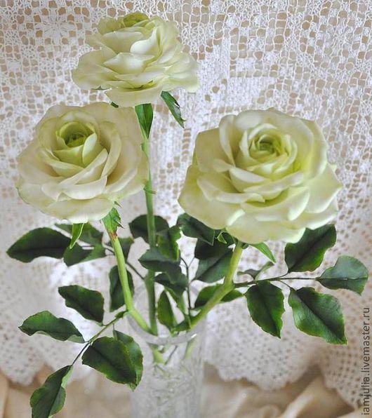 Искусственные растения ручной работы. Ярмарка Мастеров - ручная работа. Купить Цветы из Полимерной глины Белые Розы с Зеленым Оттенком. Handmade.