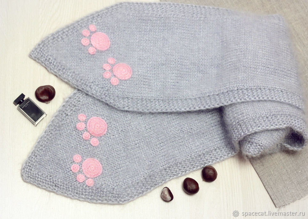 Knitted ladies scarf with cat paws white Cat – shop online on ...