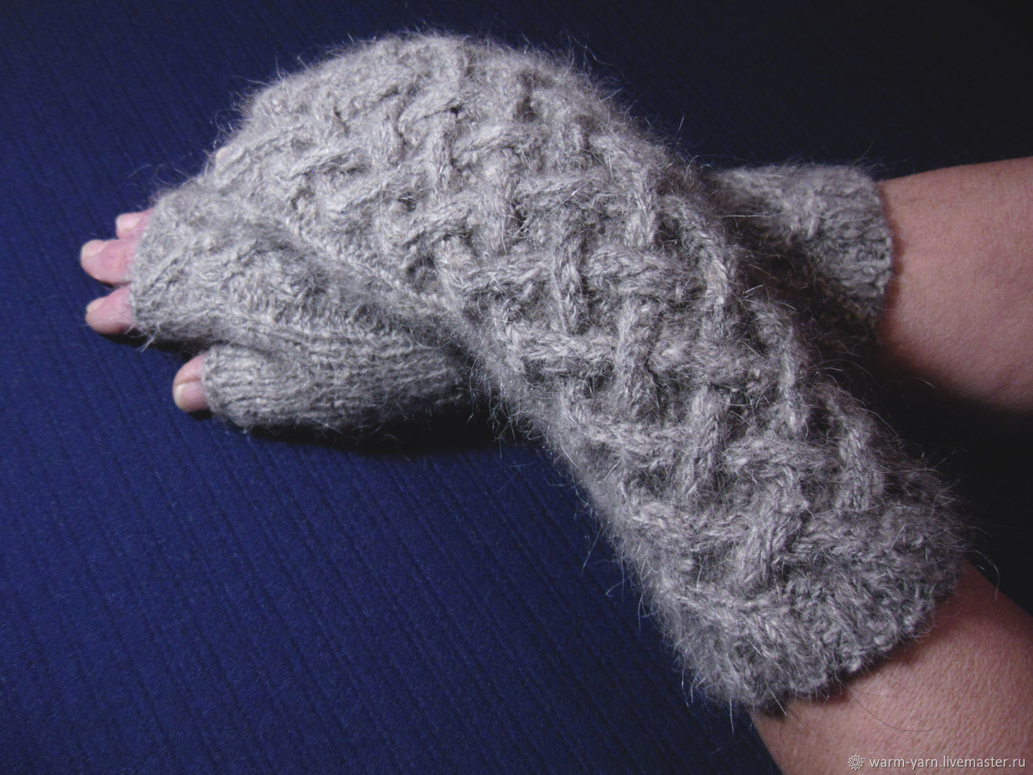 Women's knitted fingerless gloves Celtic labyrinth, Mitts, Klin,  Фото №1