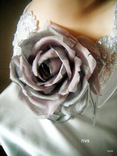 Броши ручной работы. Ярмарка Мастеров - ручная работа. Купить Цветы из ткани. Роза Диана. Handmade. Авторская работа