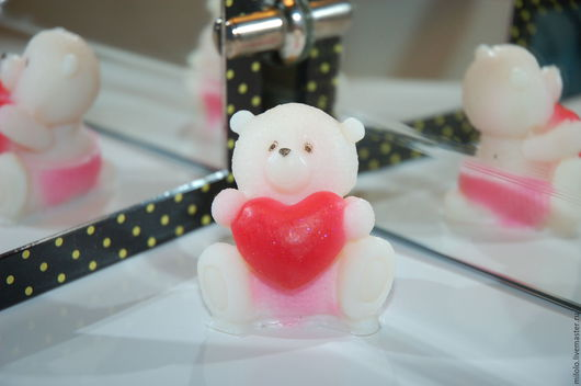 Мыло ручной работы. Ярмарка Мастеров - ручная работа. Купить Белый мишка Тедди с сердцем. Мыло ручной работы. Handmade.