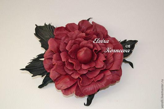 """Броши ручной работы. Ярмарка Мастеров - ручная работа. Купить Цветы из кожи. Роза """"Нинель"""".. Handmade. Бордовый, брошь из кожи"""